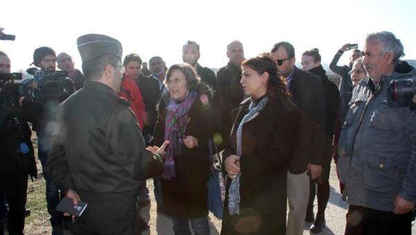 Avrupalı parlamenterler cezaevine alınmadı - Sputnik Türkiye
