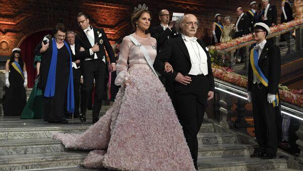 İsveç Prensesi Madeleine ve Nobel Fizik Ödülü'nün sahibi Stockholm'deki tören çerçevesinde verilen yemeğe katıldı. - Sputnik Türkiye