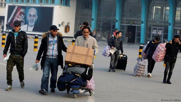 Almanya'dan sınırdışı edilen Afganlar - Sputnik Türkiye