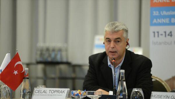 Türkiye Ekonomi Gazetecileri Derneği (EGD) Başkanı Celal Toprak - Sputnik Türkiye