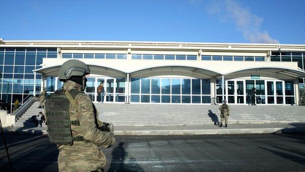 Silivri Kapalı Ceza İnfaz Kurumu'nun karşısındaki duruşma salonu - Sputnik Türkiye