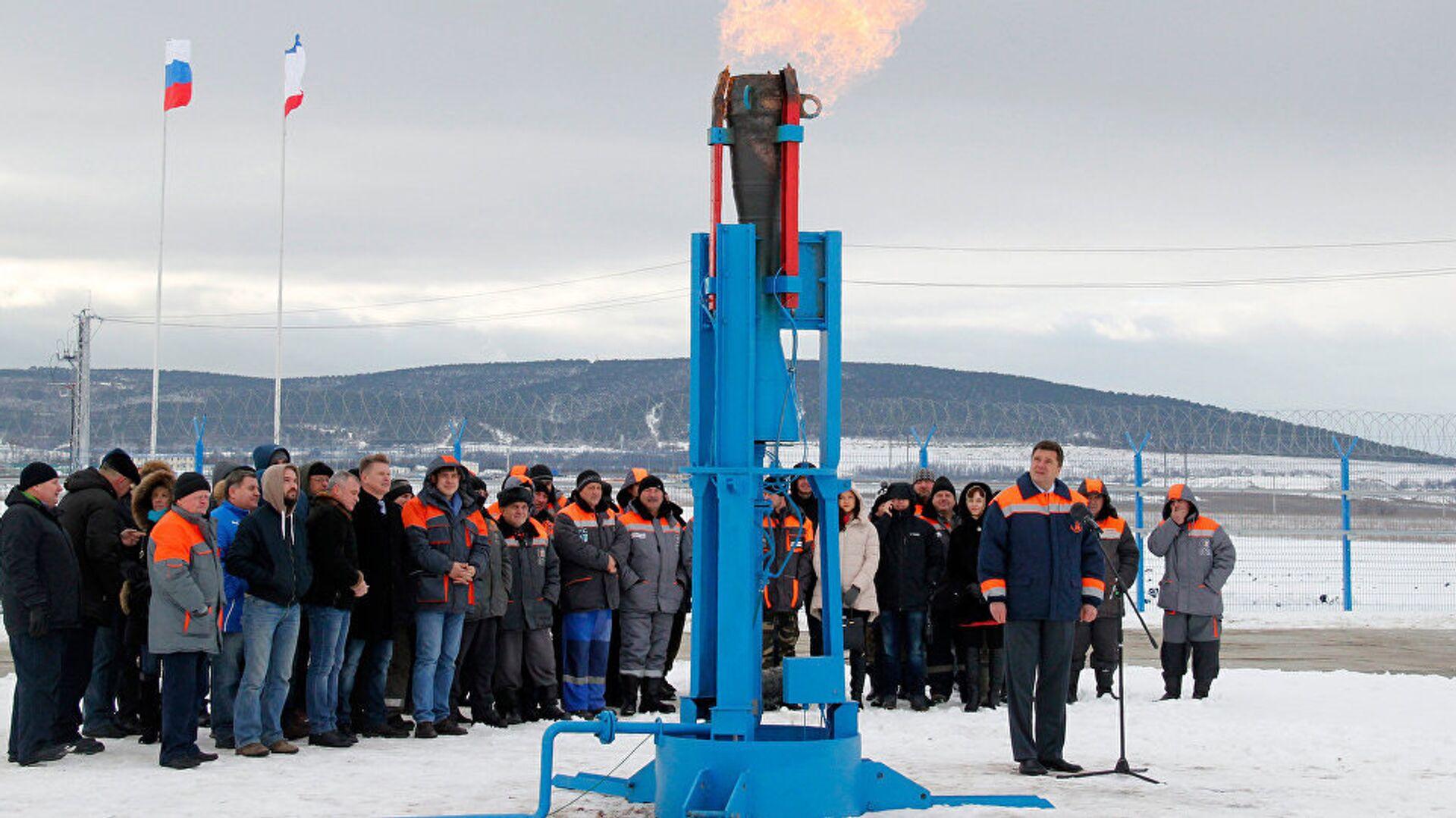 Rusya Devlet Başkanı Vladimir Putin, Rusya'dan Kırım'a gaz sevkiyatını törenle başlattı - Sputnik Türkiye, 1920, 17.09.2021
