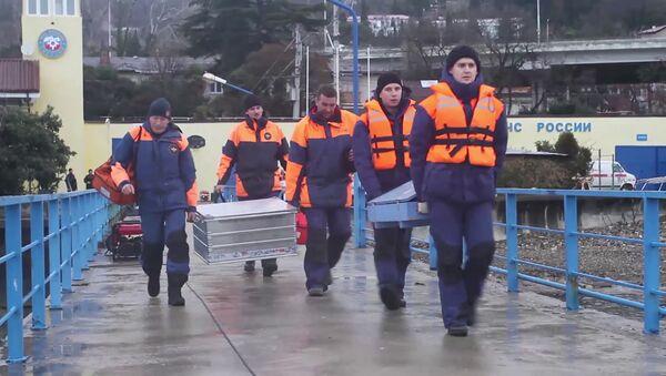 Düşen Rus uçağının enkazındaki çalışmalar devam ediyor. - Sputnik Türkiye