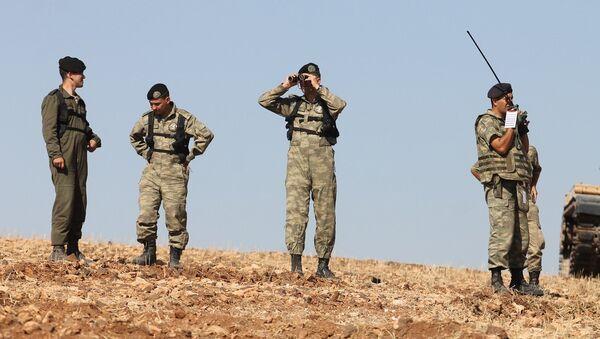 El bab bölgesinde keşif yapan Türk askerleri - Sputnik Türkiye