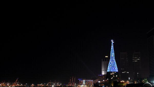 Sri Lanka'daki yapay Noel ağacı - Sputnik Türkiye