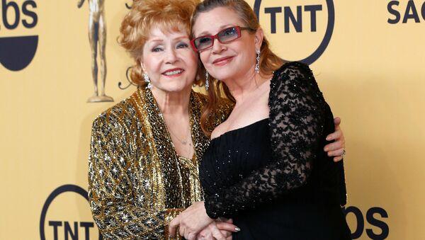 Debbie Reynolds - Carrie Fisher - Sputnik Türkiye