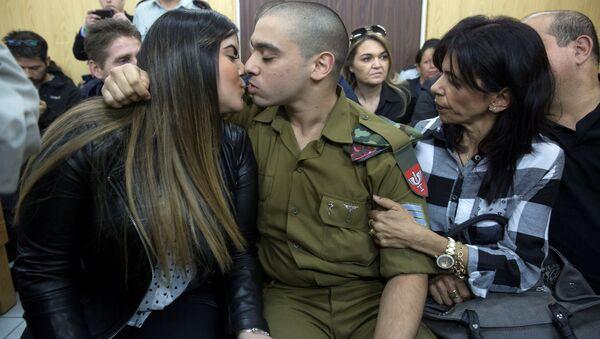 El Halil'de yaralı haldeki Filistinliyi vurarak öldüren Elor Azaria isimli İsrail askeri - Sputnik Türkiye