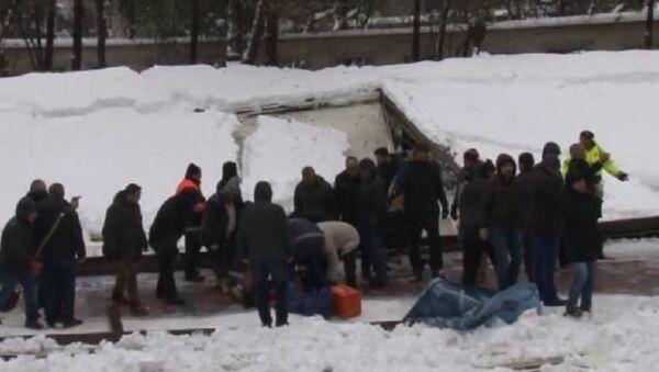 Cami tentesi namaz kılan cemaatin üzerine çöktü: 2 ölü 23 yaralı - Sputnik Türkiye