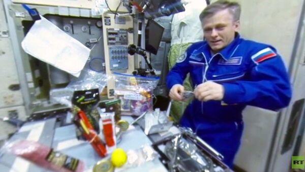 RT ile uzayda yılbaşı kutlaması - Sputnik Türkiye