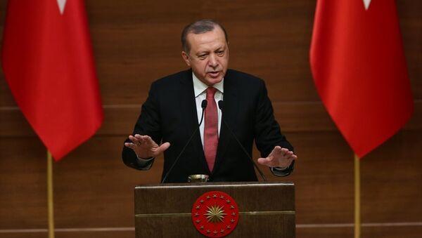 Cumhurbaşkanı Recep Tayyip Erdoğan, Cumhurbaşkanlığı Külliyesi'nde düzenlenen Muhtarlar Toplantısı'na katılarak konuşma yaptı. - Sputnik Türkiye