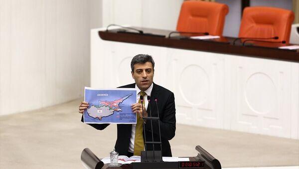 CHP Ardahan Milletvekili Öztürk Yılmaz - Sputnik Türkiye