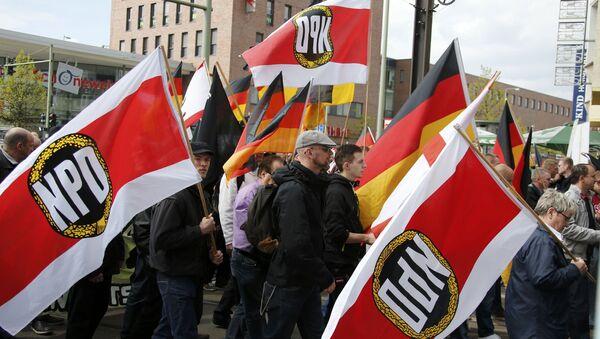 NPD taraftarı göstericiler Berlin'de yürüyüşte (Arşiv) - Sputnik Türkiye