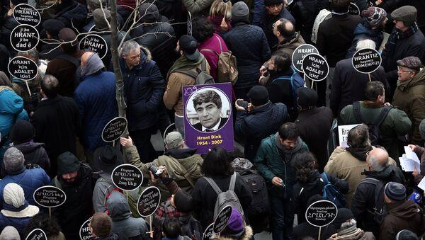 Hrant Dink öldürülüşünün 10. yılında anılıyor - Sputnik Türkiye