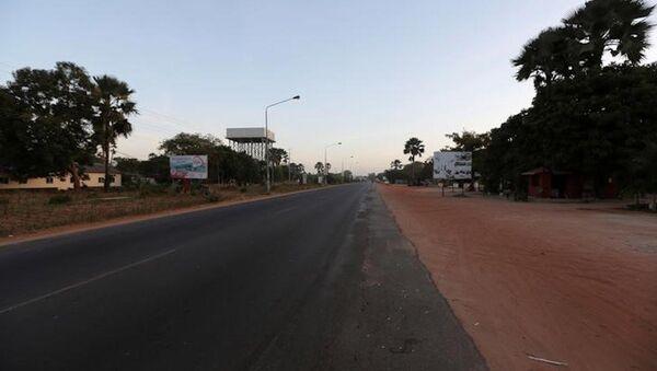 Gambiya'daki boş yollar. - Sputnik Türkiye
