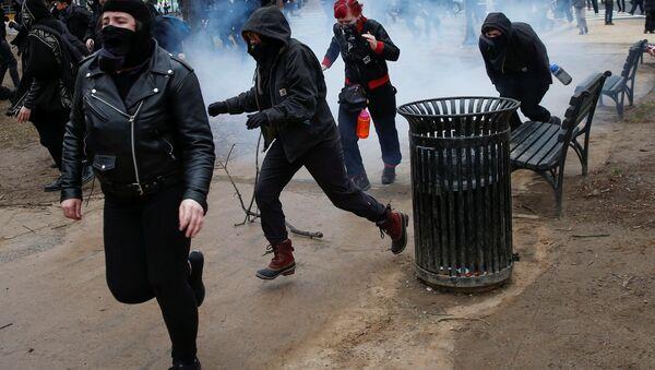Washington'daki Trump karşıtı protestolar - Sputnik Türkiye