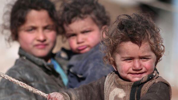 Rakka'dan kaçan Suriyeli çocuklar - Sputnik Türkiye