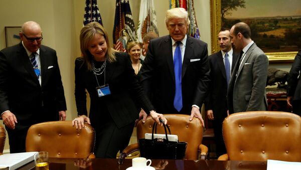 Donald Trump ve General Motors'un CEO'su Mary Barra - Sputnik Türkiye