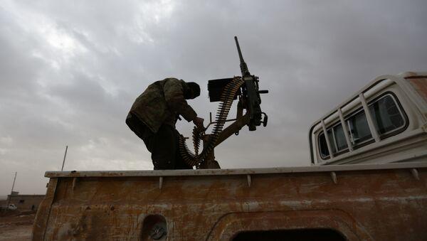 El Bab bölgesinde bir Suriyeli muhalif militan - Sputnik Türkiye