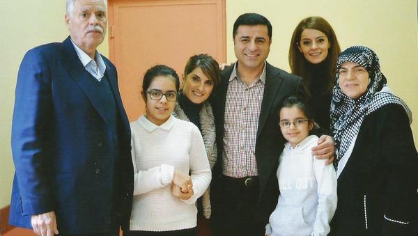 HDP Eş Genel Başkanı Selehattin Demirtaş - Sputnik Türkiye