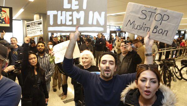 ABD'de Trump'ın vize yasağına karşı eylemler sürüyor - Sputnik Türkiye