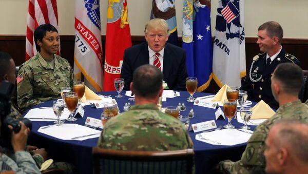 Trump CENTCOM toplantısında - Sputnik Türkiye
