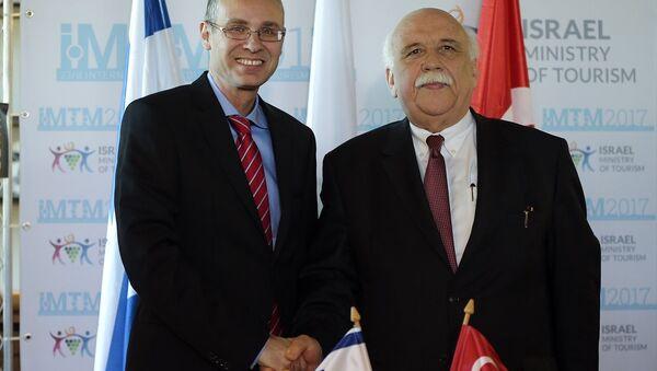 Kültür ve Turizm Bakanı Nabi Avcı (sağda) ile İsrail Turizm Bakanı Yariv Levin (solda) - Sputnik Türkiye