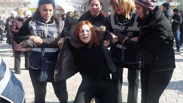 Malatya'da KHK protestosuna müdahale - Sputnik Türkiye
