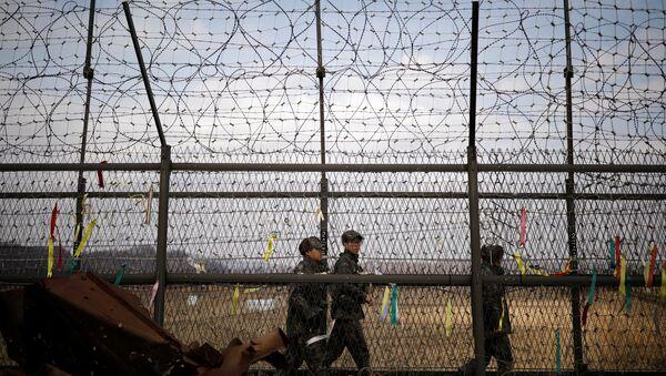 Güney Kore askerleri Kuzey Kore sınırında nöbet tutuyor - Sputnik Türkiye