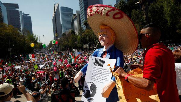Mexico City'de Donald Trump protestosu - Sputnik Türkiye