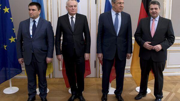 Ukrayna Dışişleri Bakanı Pavlo Klimkin, Fransa Dışişleri Bakanı Jean-Marc Ayrault, Rusya Dışişleri Bakanı Sergey Lavrov ve Almanya Dışişleri Bakanı Sigmar Gabriel - Sputnik Türkiye