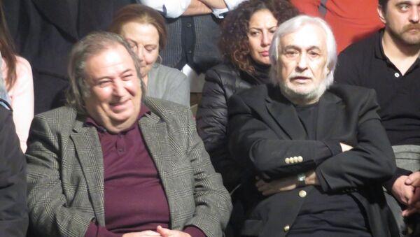 Müjdat Gezen, kundaklama olayından sonra açıklama yaptı - Sputnik Türkiye