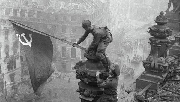 Kızıl Ordu'nun Berlin zaferinin sembolü Reichstag - Sputnik Türkiye