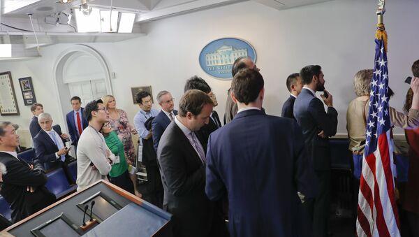 Beyaz Saray'da basın toplantısı krizi - Sputnik Türkiye