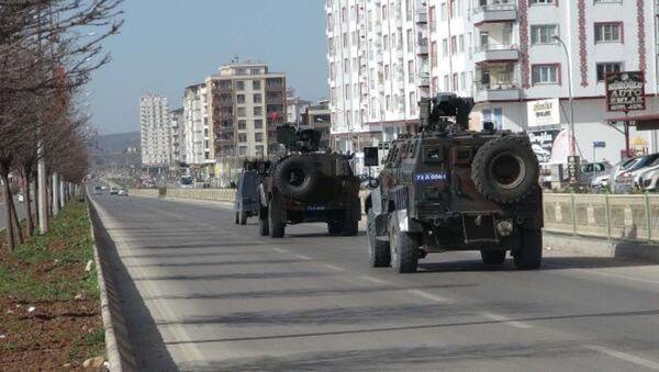 El Bab'a askeri araç sevkiyatı - Sputnik Türkiye