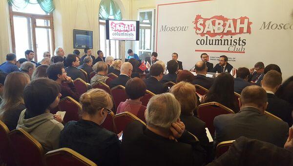 Moskova'da Gazeteciler Evi'nde Sabah Gazetesi ve Başbakanlık Basın Yayın Enformasyon Genel Müdürlüğü'nün organize ettiği panel - Sputnik Türkiye