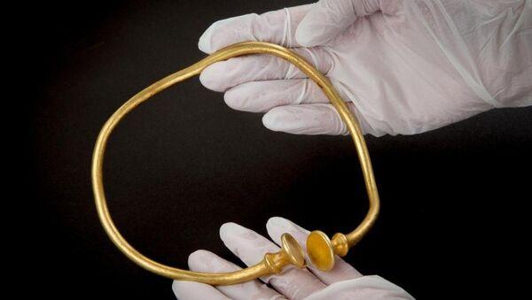 İngiltere'de bulunan en eski altın kolye ve bilezikler - Sputnik Türkiye