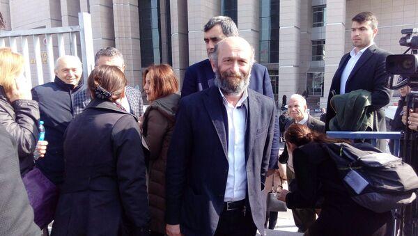 Cumhuriyet Gazetesi Ankara temsilcisi Erdem Gül - Sputnik Türkiye