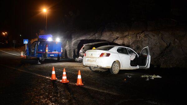 Pütürge Kaymakamı Savar trafik kazası geçirdi - Sputnik Türkiye