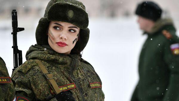 Rus kadın askerler - Sputnik Türkiye