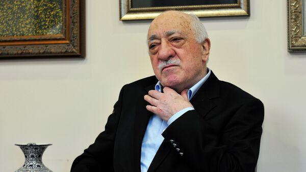 Islamic cleric Fethullah Gulen speaks to members of the media at his compound, Sunday, July 17, 2016, in Saylorsburg, Pa. - Sputnik Türkiye
