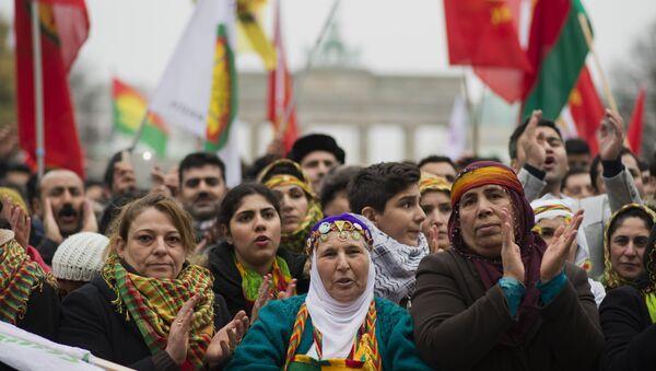 Almanya'da Öcalan posterlerinin yasaklandığı iddia edildi - Sputnik Türkiye