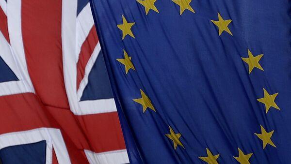 İngiltere ve AB bayrakları - Sputnik Türkiye
