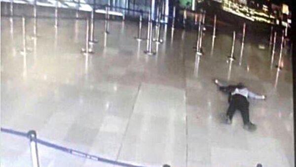 Orly Havalimanı'nda öldürülen saldırgan 39 yaşındaki Paris doğumlu Ziyed bin Belgacem - Sputnik Türkiye