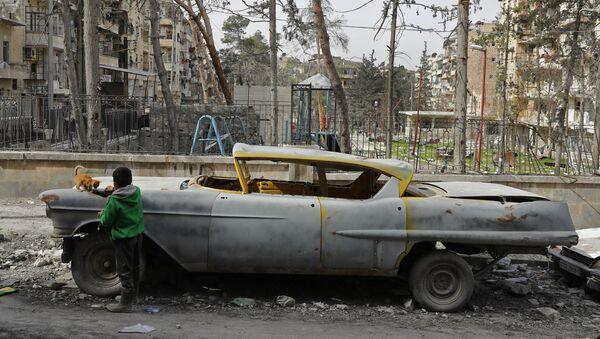 Harabeye dönen Halep'te klasik otomobil koleksiyonu - Sputnik Türkiye