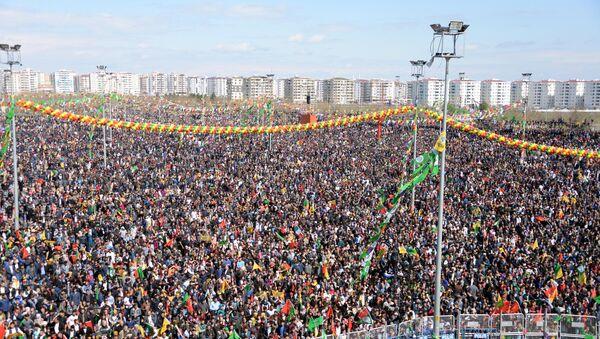 Diyarbakır'daki Nevruz kutlamaları - Sputnik Türkiye