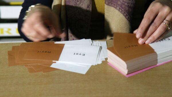 Gümrük kapılarında oy verme işlemi - Referandum - Sputnik Türkiye