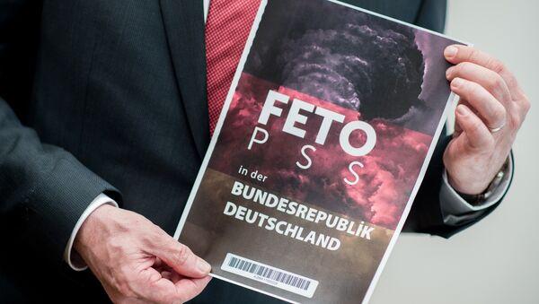 Aşağı Saksonya İçişleri İçişleri Bakanı Boris Pistorius / MİT'in Alman istihbaratına (BND) verdiği FETÖ listesi - Sputnik Türkiye