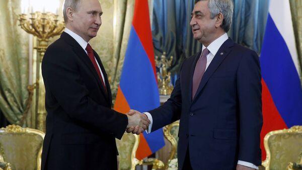 Rusya Devlet Başkanı Vladimir Putin- Ermenistan Devlet Başkanı Serj Sarkisyan - Sputnik Türkiye
