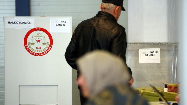 Almanya'daki Türkler anayasa değişikliği referandumunda oy kullandı. - Sputnik Türkiye