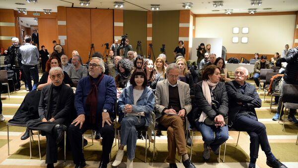 250 sanatçıdan ortak referandum açıklaması - Sputnik Türkiye